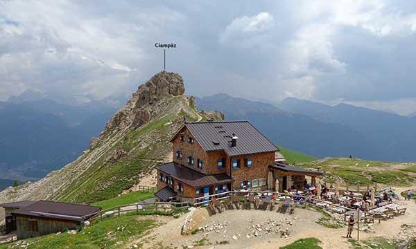 Il Roda de Vael sulle Dolomiti di Fassa