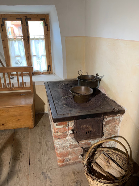 antica stufa per cucinare