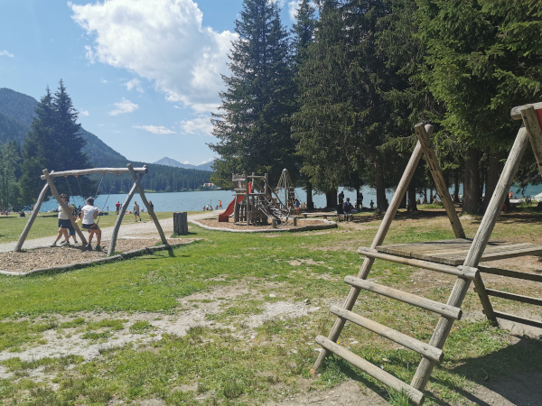 parco giochi vista lago