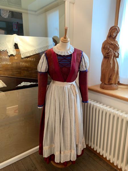 vestito tipico del passato