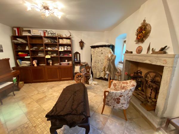 laboratorio abiti e oggetti in lana