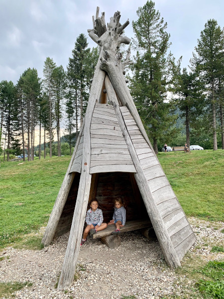 tenda indiani in legno