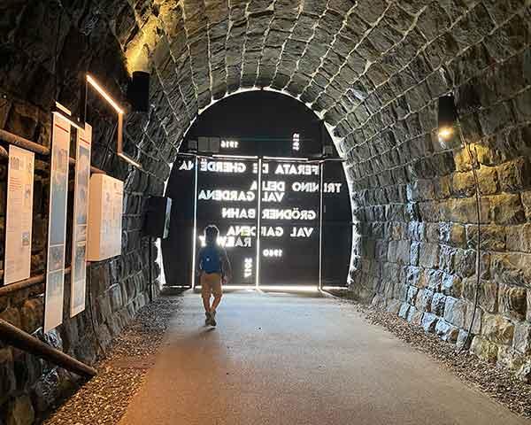 tunnel trenino val gardena