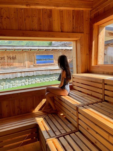 sauna con vetrata panoramica